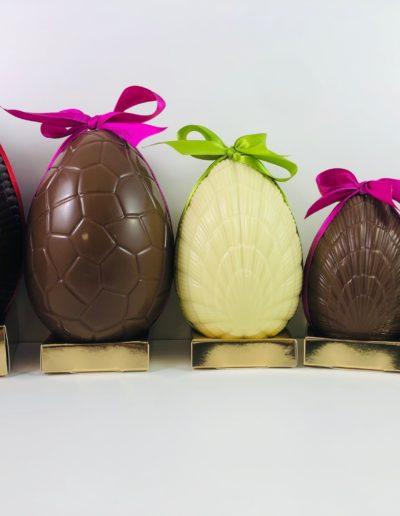 œufs assortis de 10 cm à 19 cm